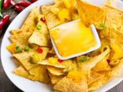 чипсы, лаваша, сыром
