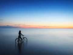 девушка, велосипед, море