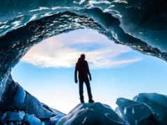 человек во льдах
