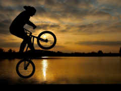 закат, прыжок, мужчина Фон № 148521 разрешение 2560x1600