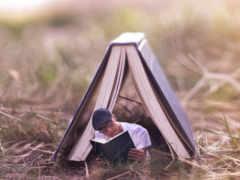книги, парень, листва