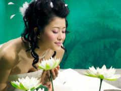 невеста и лотосы