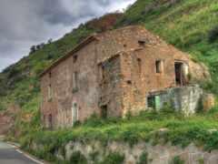 house, abandon, камень