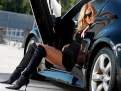 car, blonde, ключ