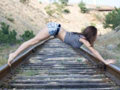 railroad, девушка, facebook