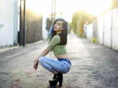 девушка, голубых, джинсах