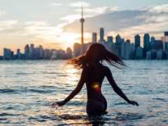 город, девушка, солнца