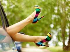 ноги, женские, машина