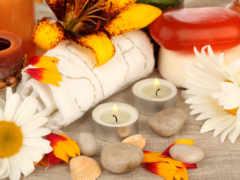 свечи, цветы, скалы
