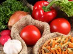 tomato, лук, макароны