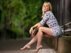 camille, glance, leg