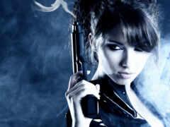 девушка, пистолет, дым