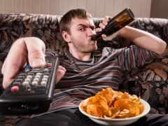 диван, пиво, тв