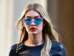 gigi, hadid, iphone