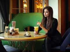 девушка в кофе