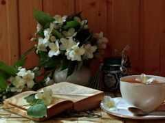 чая, книга, цветы