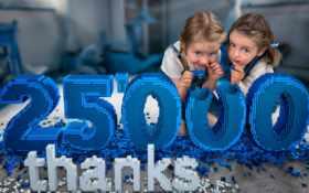 девочки и 25 000 спасибо из лего
