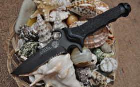 ракушки и Нож Masters Of Defense Mark V ATAC.
