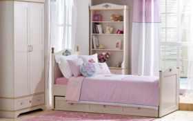 занавеска, кровать