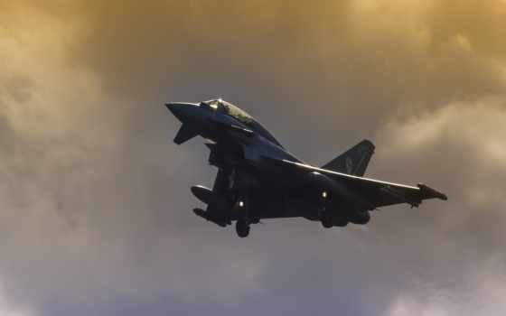 leuchars, typhoon, que