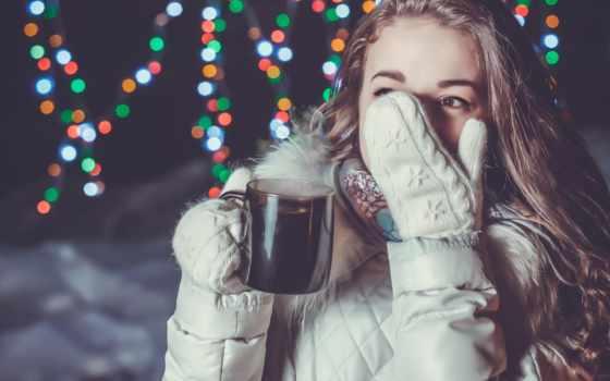 winter, девушка, кружка, зимой, улице, devushki, напиток, hot, варежка, интересные, следы,