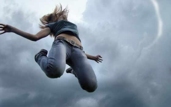 девушка, прыгает, пасмурное, небо, highly, elvi, devushki, фотообои,