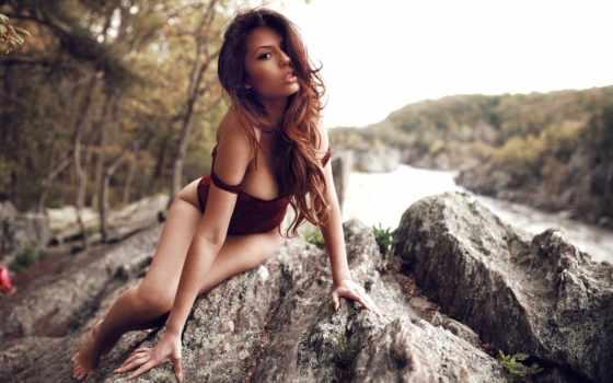 ,, people in nature, природа, красота, модель, длинные волосы, каштановые волосы, девушка, бикини, дерево,