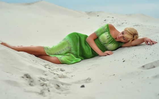 девушка, платье, берег, devushki, закат, winter,