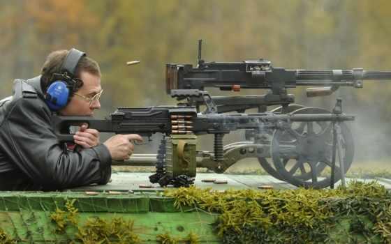 медведев, оружия, дмитрий, premier, ознакомился, стрелкового,