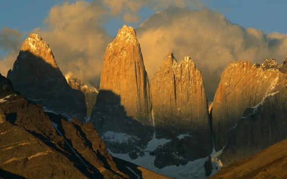 горы, солнцем, гор, освещенные, скалы, снег, концов, зеленые, красавица, планеты, фотографий,