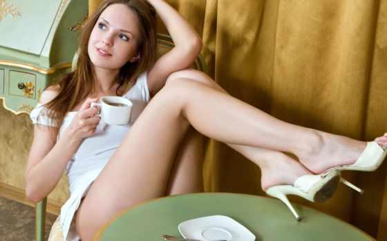 ноги, девушки, туфли, девушка, закинув, сидит, чулки, поза, ножки,