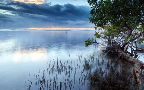 небо, озеро
