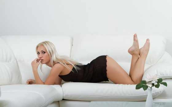 девушка, blonde, devushki, картинка, модель, пеньюар, dido, диван, roxi, главная,