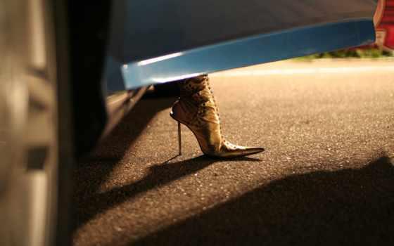 девушка, машины, выходит, сапогах, золотых,