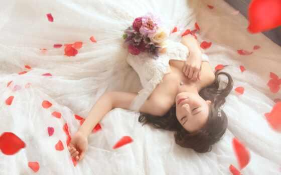девушка, устройство, cool, сделать, mobile, улыбка, настроение, cute, поза, книга, цветы