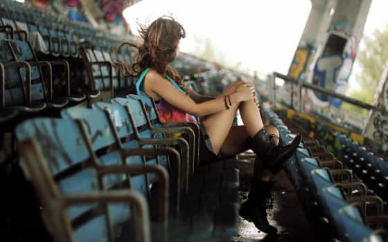 стадион, девушка, настроение