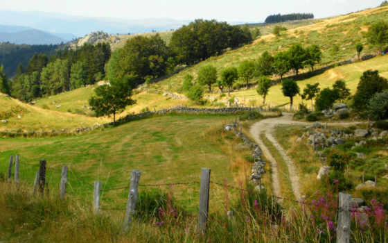 ,дорога,забор,горы,