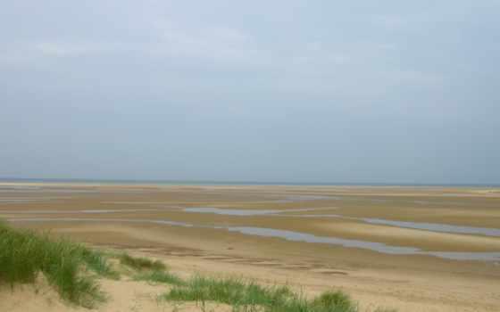 трава, песок, природа, море, пляж, горы, небо, лужи, поле, sun, прилив,