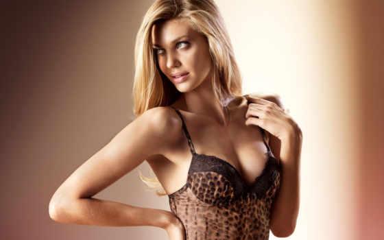 блондинка, белье