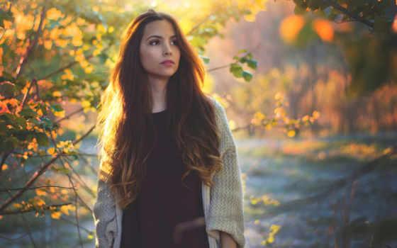 девушка, longhaired, brunette, настроение, лес, осень, листва