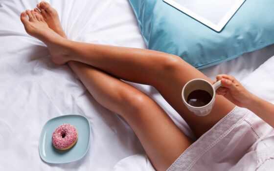 девушка, leg, coffee, фото, утро, род, stokovyi, кровать, пончик, картинка