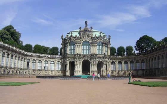 замки, дворцы, великолепные