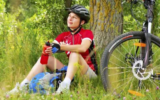 велосипед, отдыхает, девушка, дерево, бачек, шлем, спорт, нояб, фотографий, подборка,