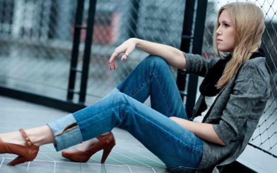 девушка, сидит, джинсы Фон № 38172 разрешение 1920x1080