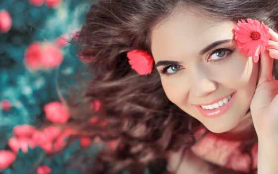 девушка, цветов, красивая, цветами, куста, голове, стоит, цветы, красивые,