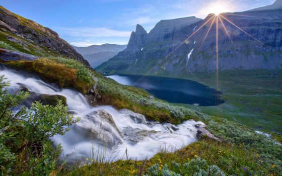 горы, природа, лес, landscape, река, камни, rays, sun, небо, ручей, trees,