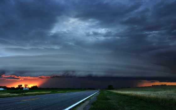 storm, گرافیکی