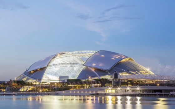 часов, арена, мероприятий, разных, совершенно, включая, легкой, соревнования, концерты, течение, трансформируется,