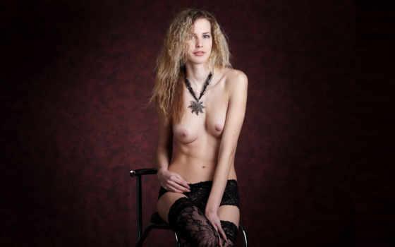 marena, голая, грудь, шортиками,