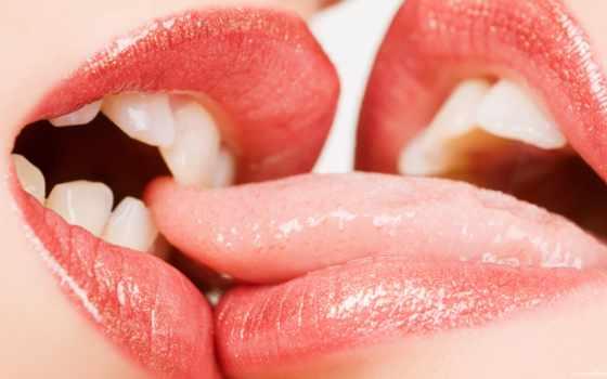 поцелуи, языком